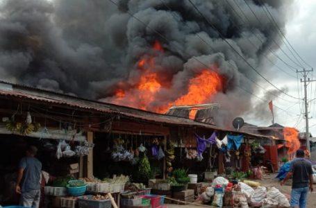 Pasar Terbakar, Delapan Lapak Ludes Sekejap, Lihat Videonya!
