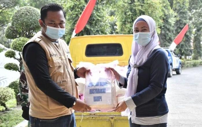 Warga Rampi Sumbang Beras 1,2 Ton untuk Korban Banjir Bandang
