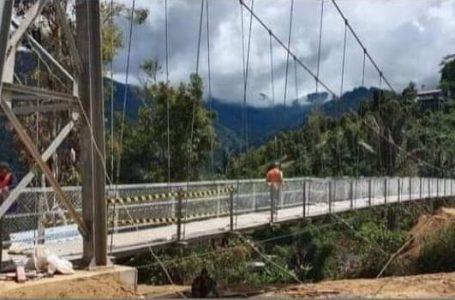 Jembatan gantung yang ada di Battang yang menghubungkan Kota Palopo dengan Toraja