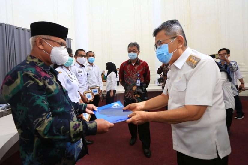 Pejabat Pensiun Kota Palopo Terima Karip Taspen