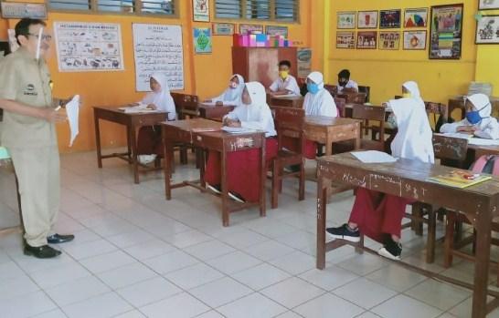 """Belajar Tatap Muka Dilaksanakan, """"Lampu Hijau"""" untuk 14 Provinsi"""