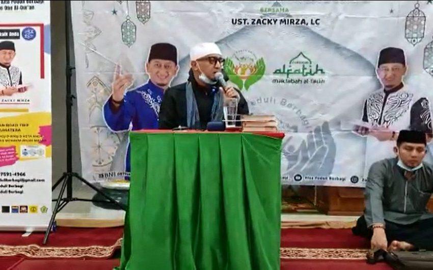 Ustaz Zacky Mirza Ambruk Saat Ceramah, Video: Detik-detik Ambruknya Sang Dai