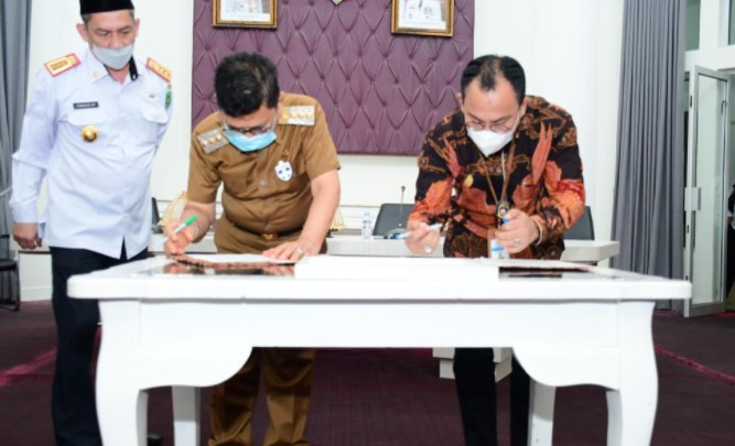 Kakanwil Dirjen Perbendaharaan Sulsel – Walikota Palopo Tandatangani MoU terkait Pengelolaan dan Pertanggungjawaban Keuangan Negara dan Daerah