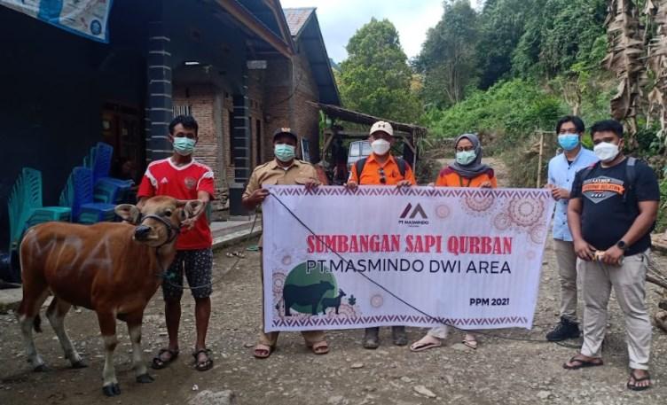 Donasikan Sapi Kurban Untuk Warga, Masmindo Pererat Silaturahim